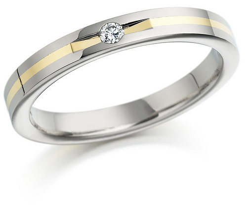 Bien Diamond Platinum Wedding Ring With Feminine Design