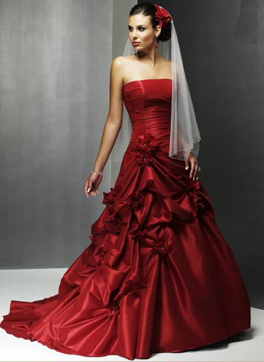 sexy sleeveless red wedding gown design
