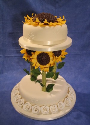 simple delightful sunflower wedding cake