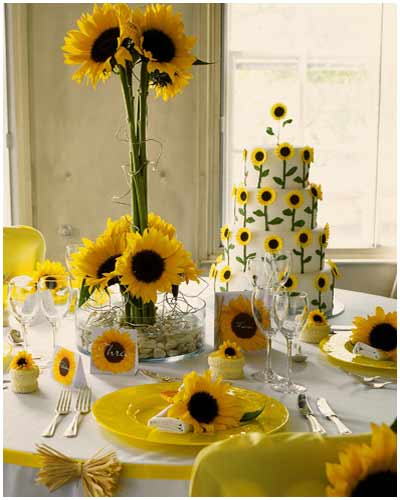 wedding bouquets with sunflowers