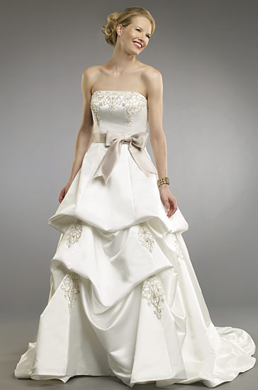 Italian satin strapless embroidered wedding dress