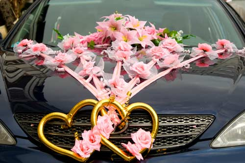 wedding car decoration ideas with roses