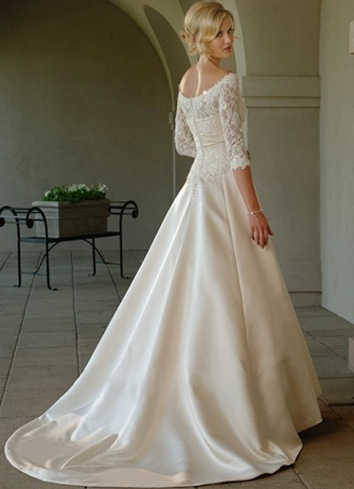 romantic lace wedding dress