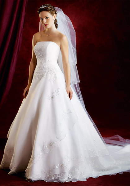 ideal strapless wedding dress