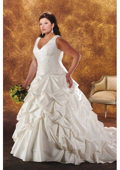 lace plus size wedding dress