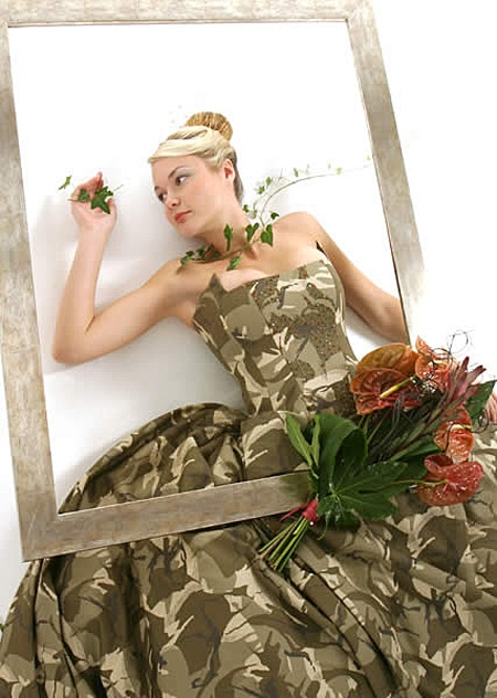 sleeveless camouflage wedding dress