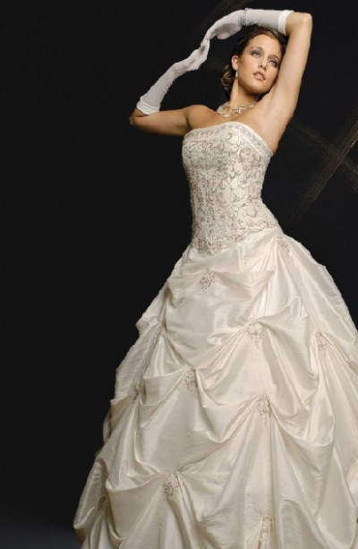 summer wedding dress with gloves