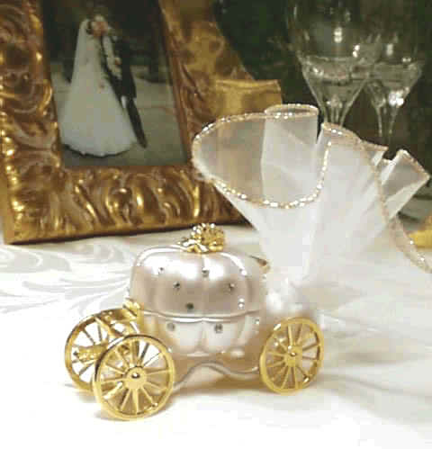 Unique Wedding Favor With Cart