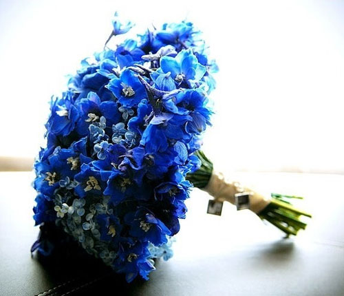 unique blue wedding flowers
