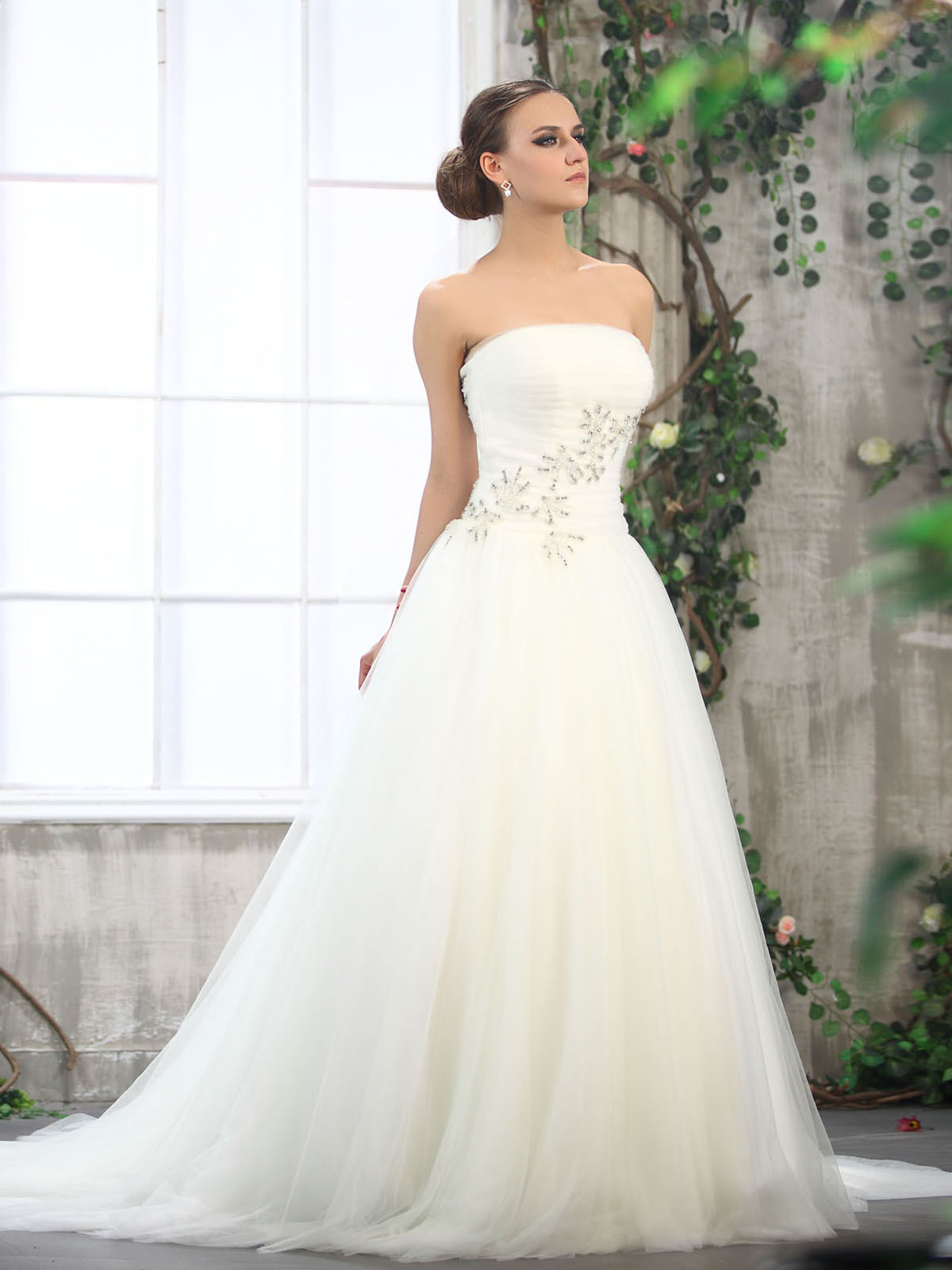 tulle strapless ball gown wedding dresses with natural waist