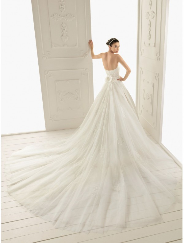 organza lace wedding dress with short sleeves