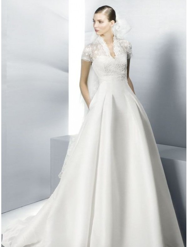 Gorgeous Collections of Lace Wedding Dresses with Short Sleeves