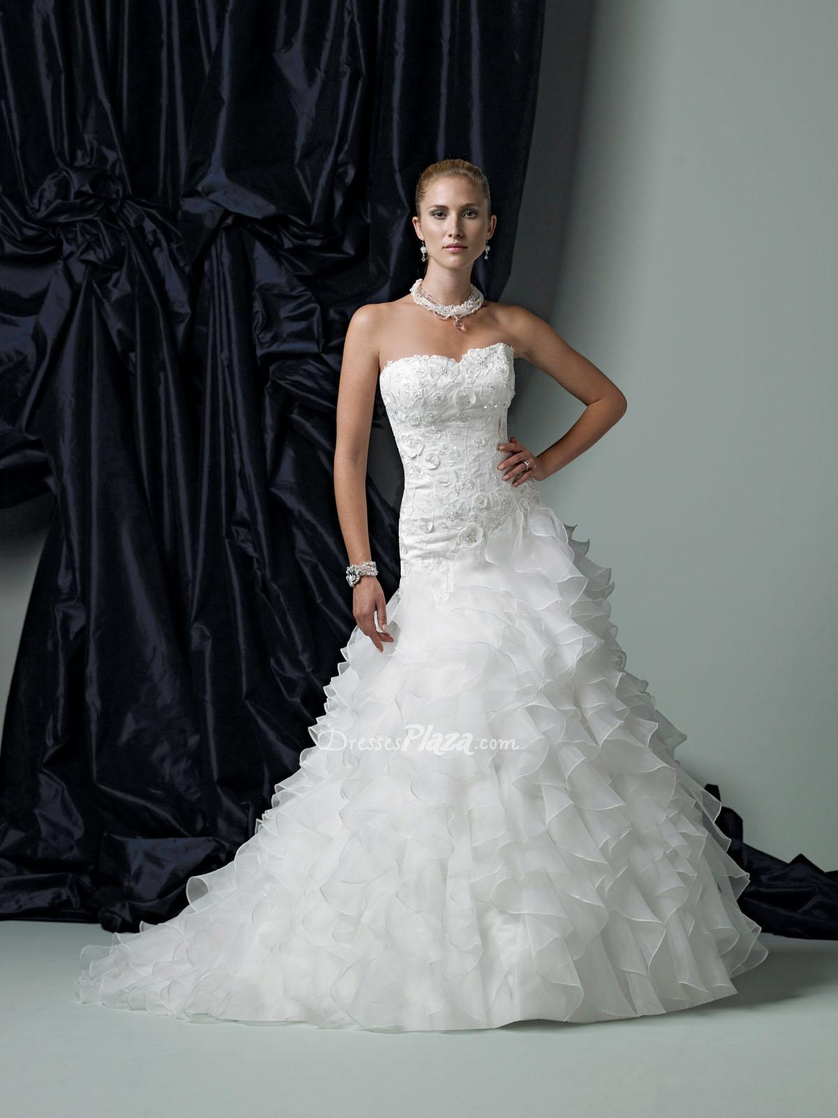 Organza ball gown wedding dress with ruffles sang maestro for Wedding dresses with ruffles