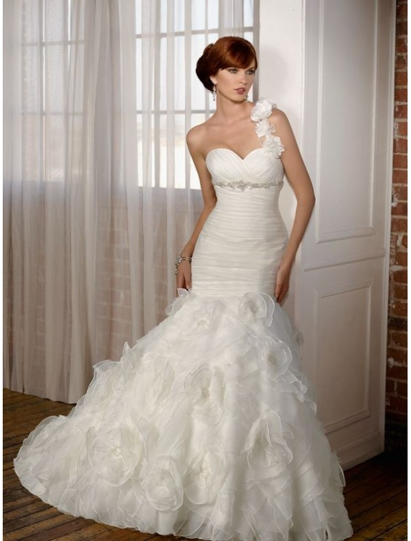 Organza Ruffled Wedding Dress With One Shoulder Strap