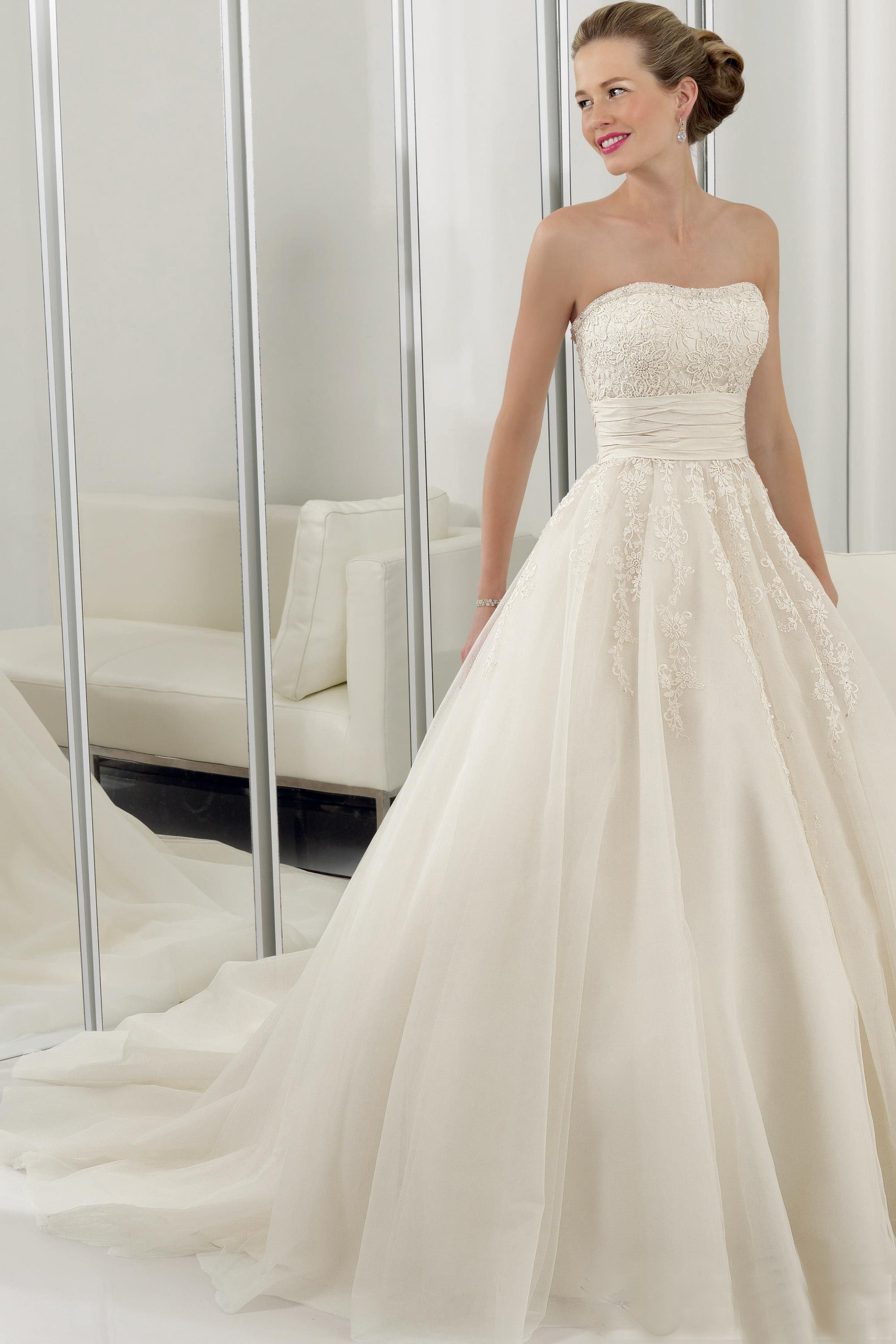 simple design organza wedding dress with a-line hemline