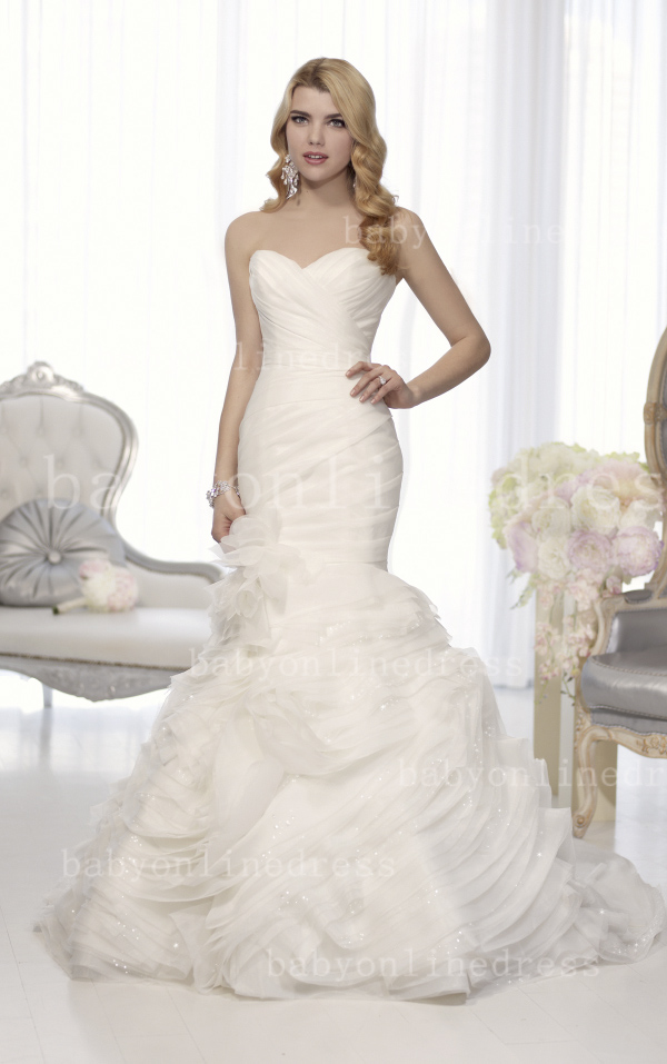 simple organza wedding dress with sweetheart neckline