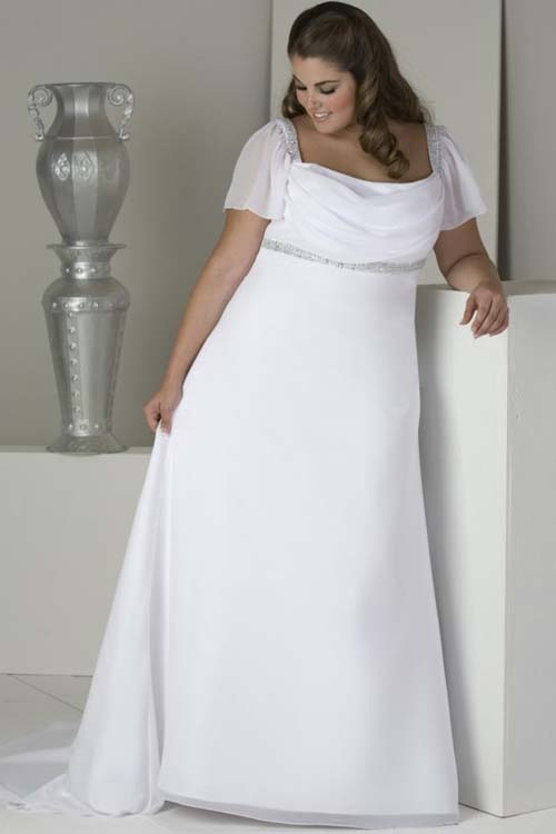 simple plus size wedding dress with short sleeves | Sang Maestro