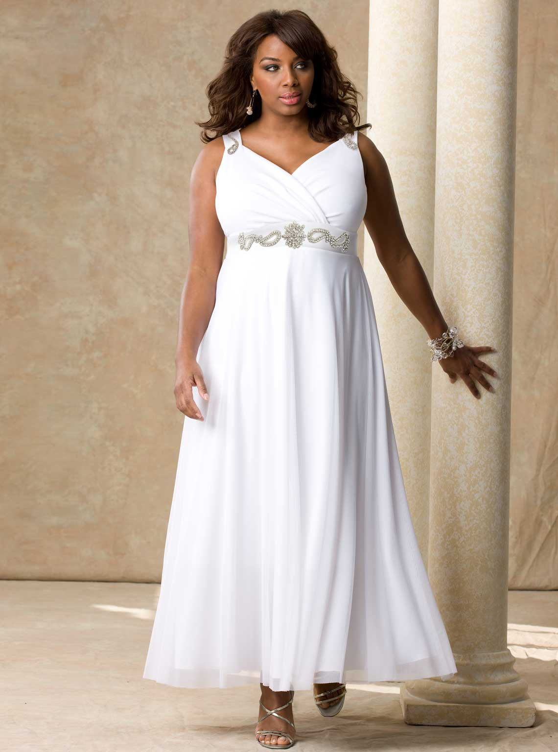 Stylish Simple Plus Size Wedding Dresses | Sang Maestro