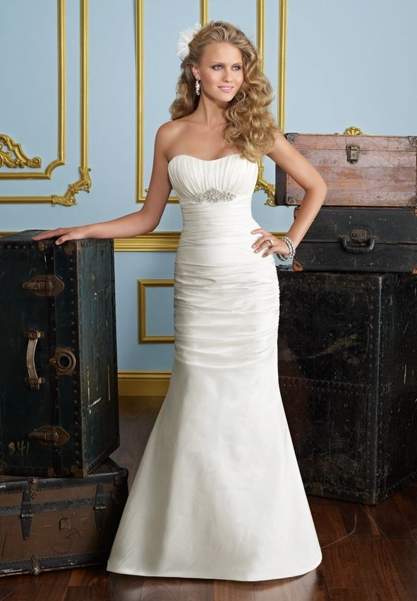 simple strapless mermaid wedding dress