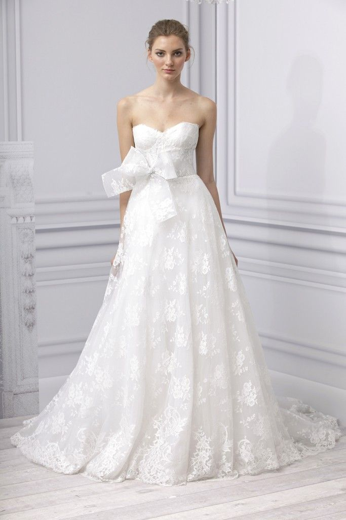 spring lace sweetheart neckline wedding dress