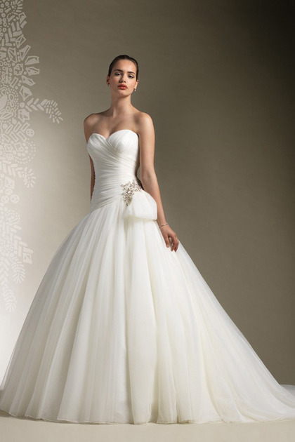 Gorgeous Disney Princess Wedding Dresses For Fairytale Wedding Theme