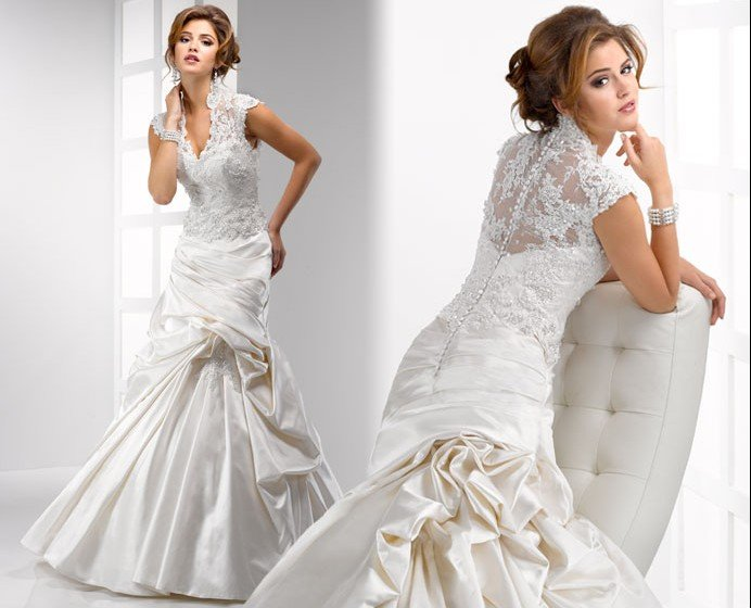 Lace v neckline wedding dress with high collar sang maestro for High collared wedding dress