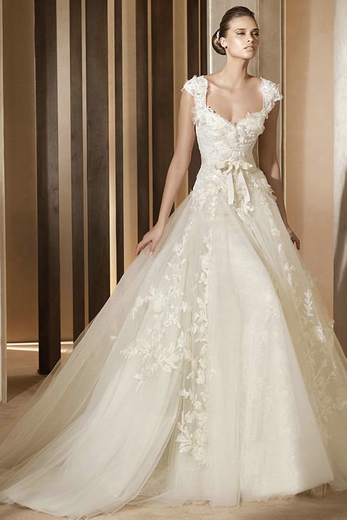 Vintage Lace Princess Wedding Dresses for Classical & Chic Bridal Look ...