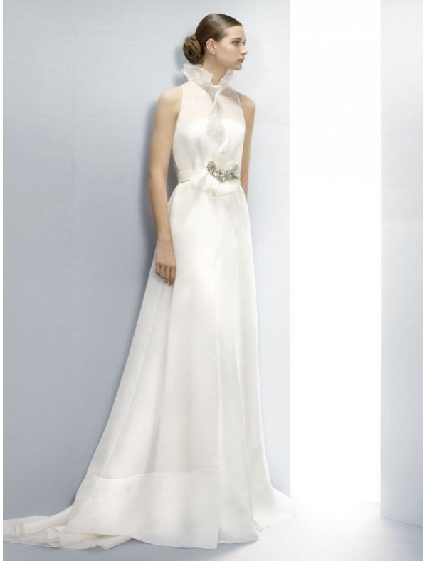 wedding dress with collar