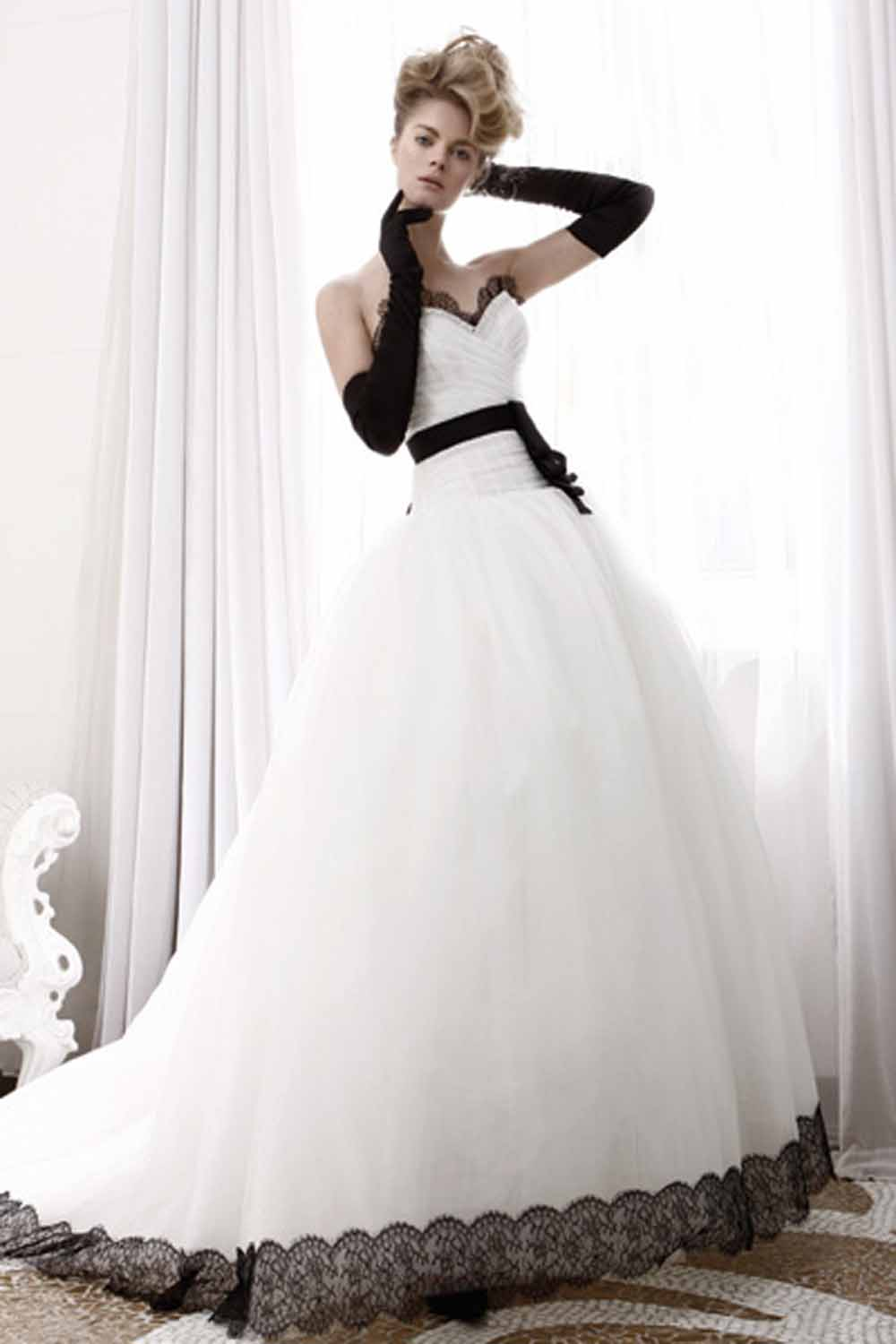 Chic wedding dresses with black lace for sophisticated for Black designer wedding dresses