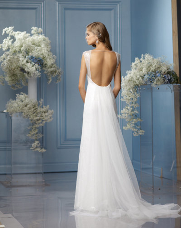 pretty wedding dresses with a low back for sensual bridal