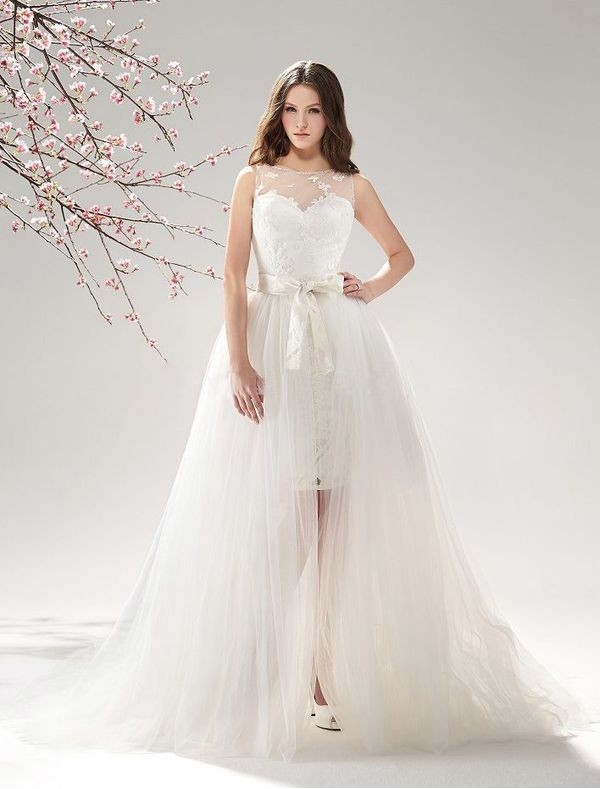 Lace and tulle wedding dress with detachable train sang for Detachable train wedding dress