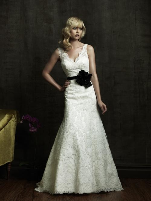 Sweet wedding dresses with black belt sang maestro for Black and white lace wedding dresses