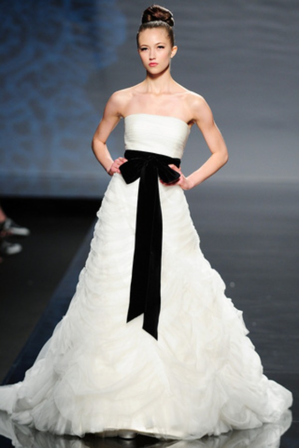 Wedding dresses with black accents for creating your for White wedding dress with black accents