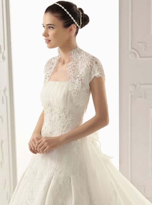 wedding dress with short detachable sleeves sang maestro