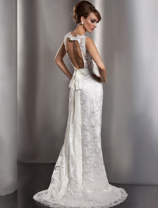 sleeveless lace wedding dress with keyhole back