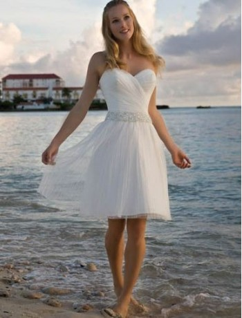 beautiful organza short wedding dress