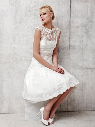 beautiful short wedding dress with lace