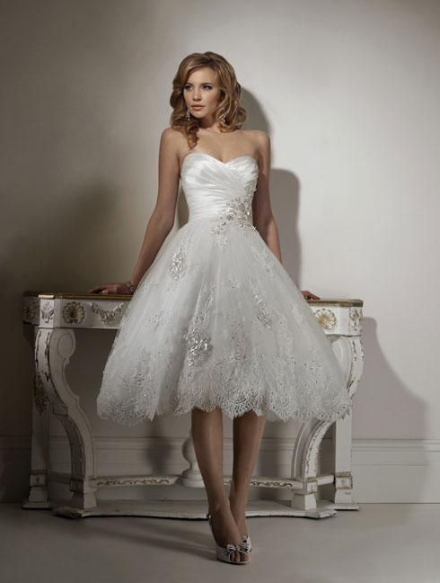 beautiful short wedding dress with sweetheart neckline