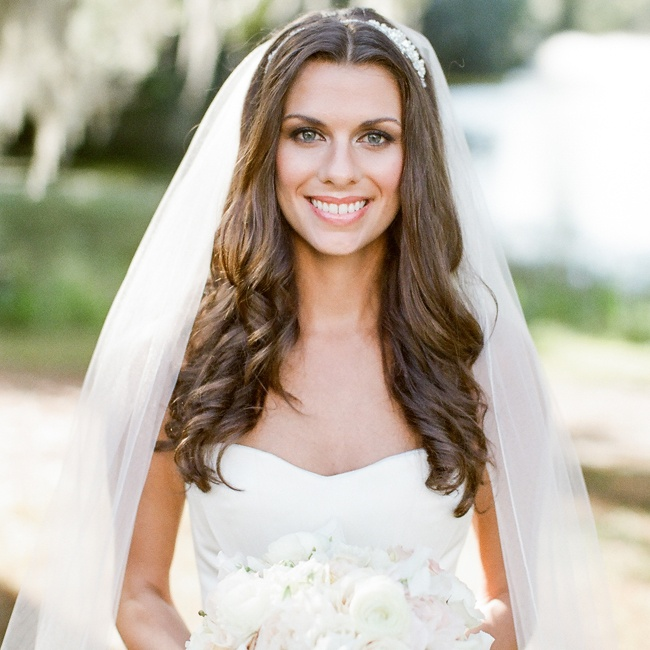 Wedding Hairstyle For Long Hair With Veil: Loose Curls Hair Down With Long White Wedding Veil
