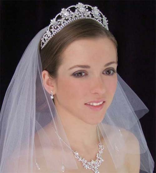 wedding veils and tiaras