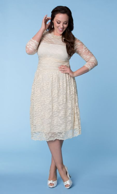 plus size short lace wedding dress with three square sleeves | Sang ...