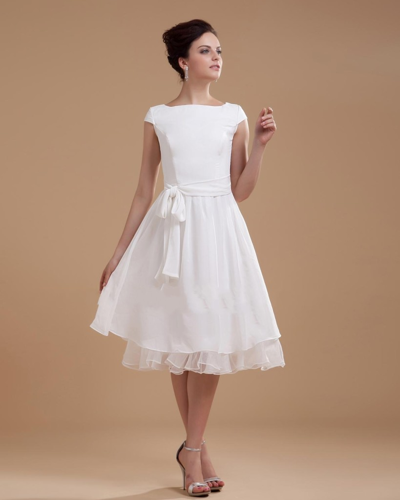 vintage plus size short wedding dress with short sleeves