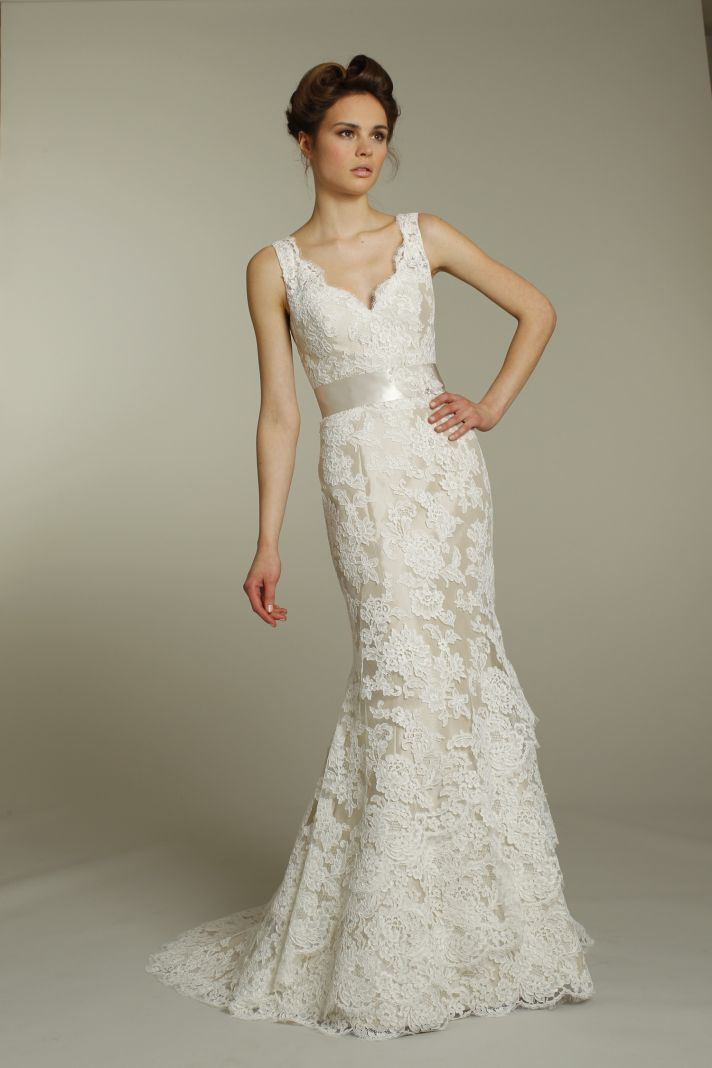 fall lace wedding dresses for classy and luxurious bridal