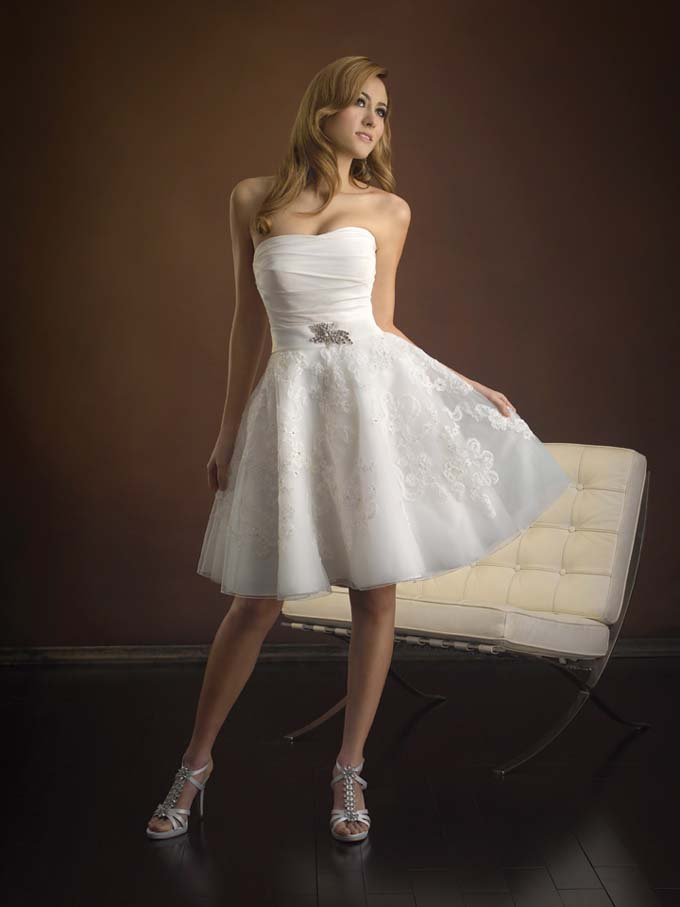 vintage strapless short wedding dress with lace