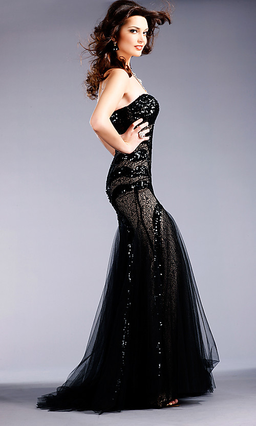 10 Gorgeous Black Lace Wedding Dresses | Sang Maestro
