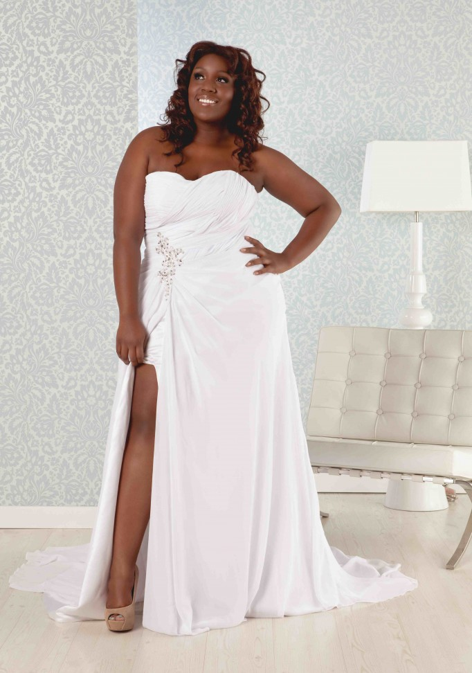 plus size summer white wedding dress