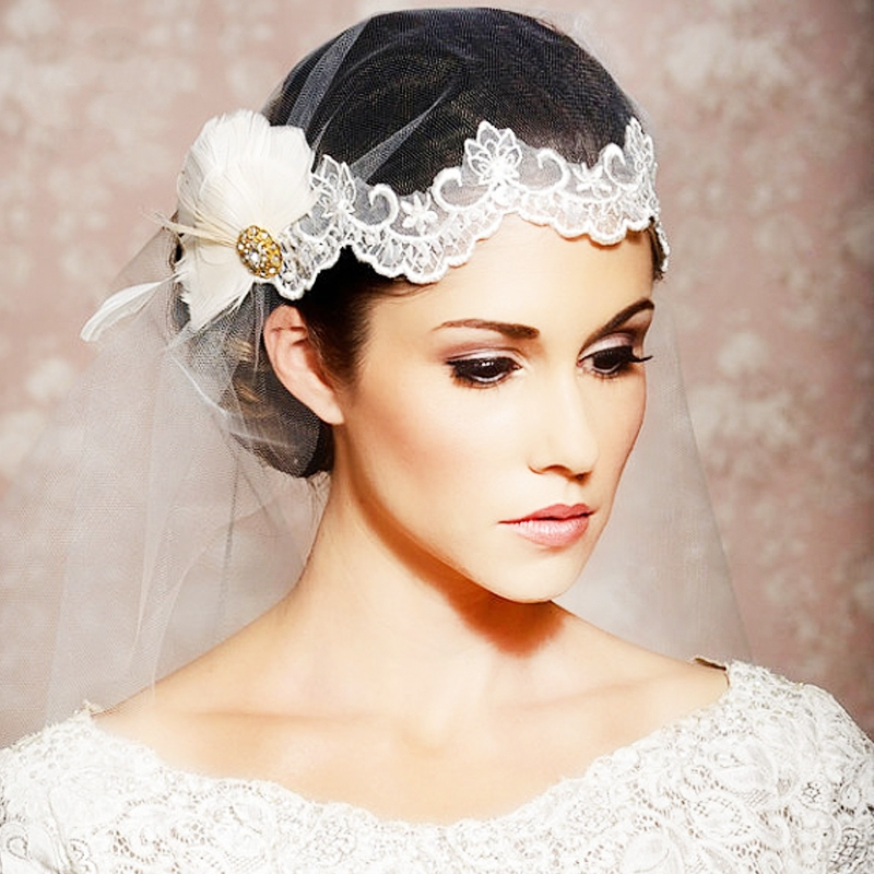 lace wedding tiara with long veil