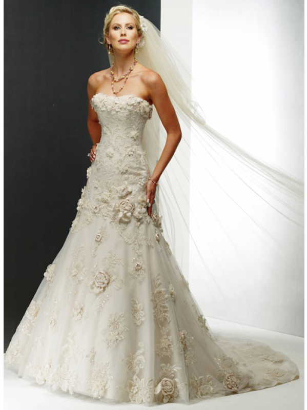 Chic unusual wedding dresses for sale sang maestro for Wedding dress for sale