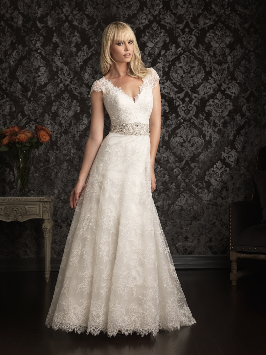 retro a-line lace wedding dress with cap sleeves