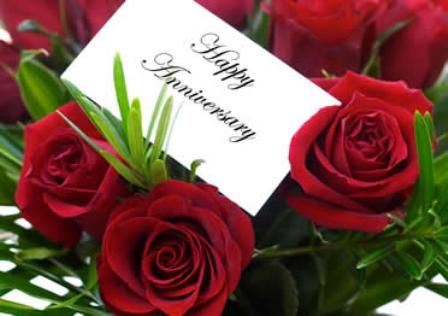 wedding anniversary card design with red roses